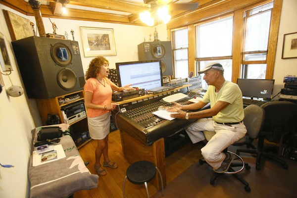 Married music-making couple Bradley Parker Sparrow and Joanie Pallatto in their north side home/studio, Friday, Sept 6, 2013, in Chicago. B583175165Z.1 (Charles Osgood/for the Chicago Tribune) B583175165Z.1